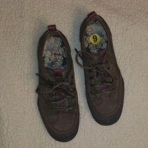 Merrell Qform comfort Tie Tennis Shoes Size 9